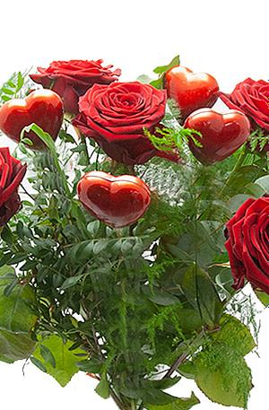 Rode rozen met hartjes